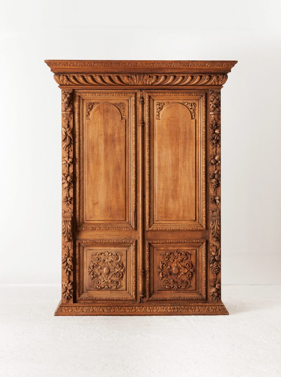 ALTEA IMG 7476 300dpi scaled Heavily Curved Antique Oak Wardrobe