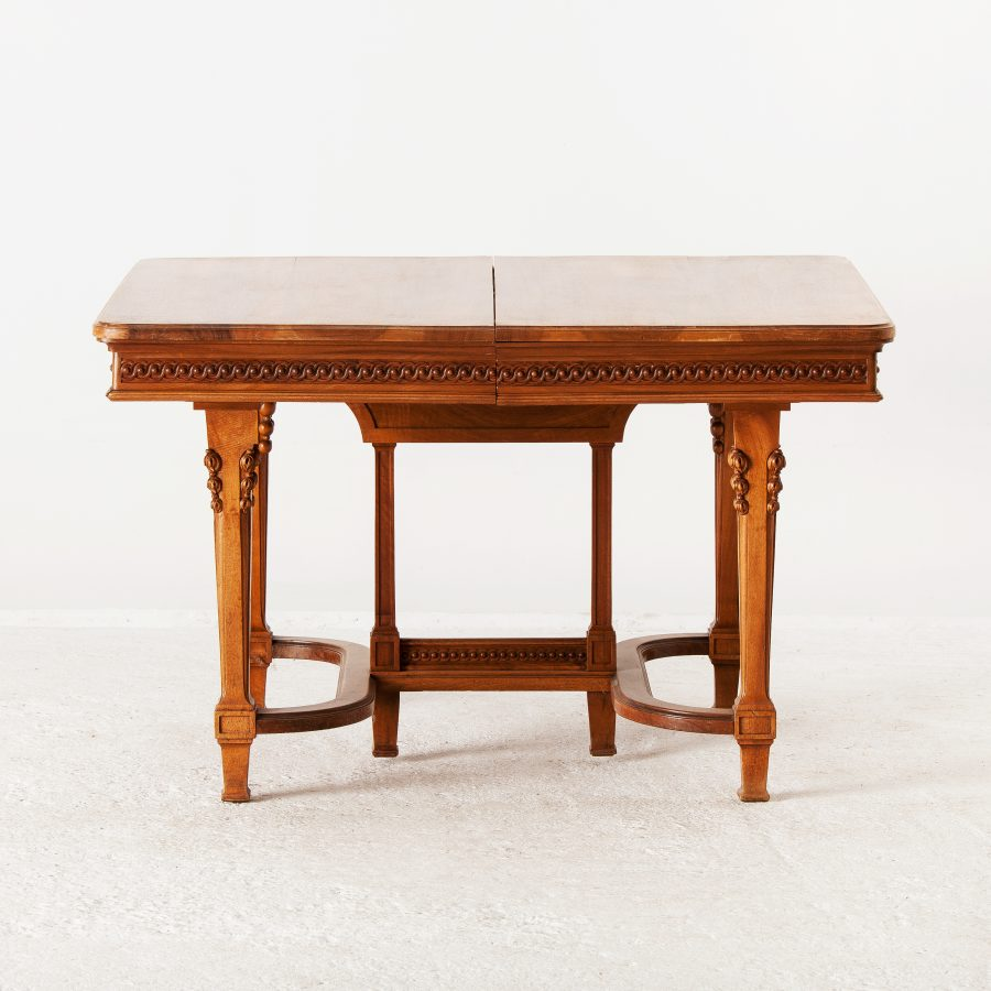 ALTEA IMG 7591 300dpi 3500 French Walnut Dinning Table