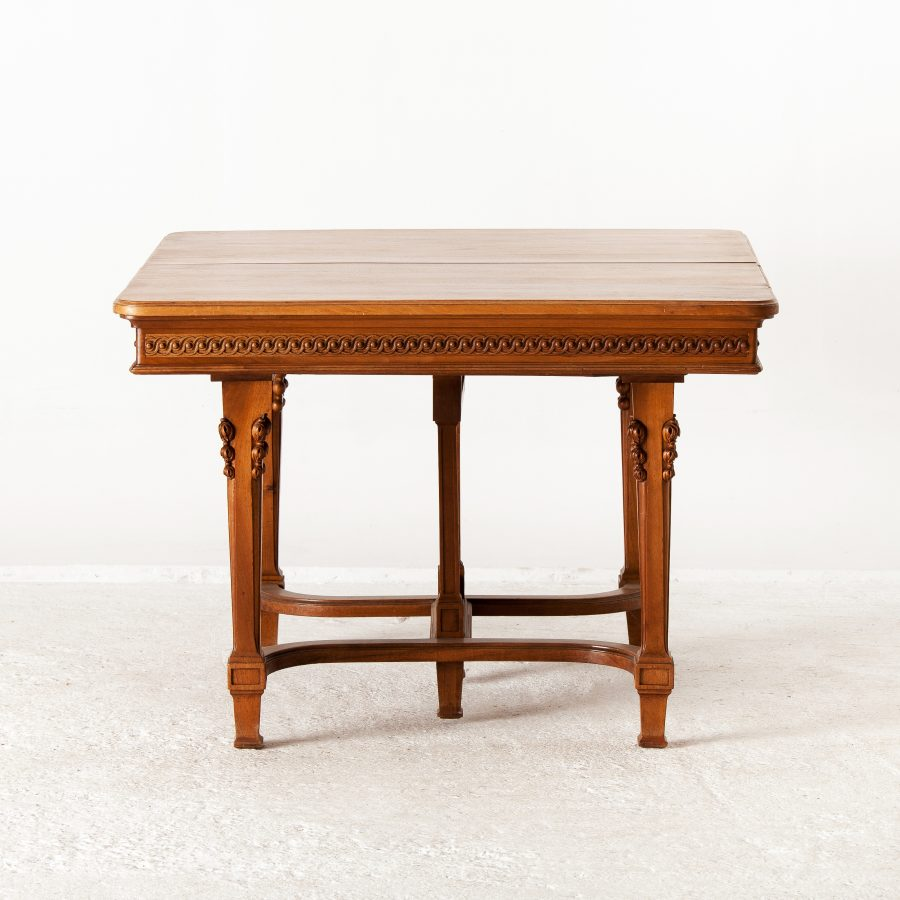 ALTEA IMG 7594 300dpi French Walnut Dinning Table