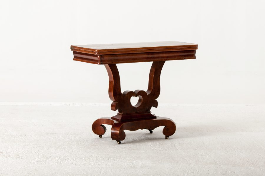 ALTEA IMG 7829 300dpi hold scaled Victorian Mahogany Card Table